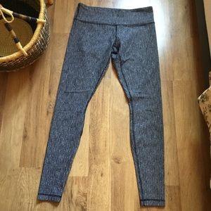 Lululemon textured leggings 10 grey
